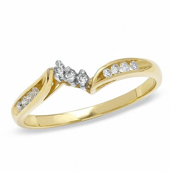 0.14 CT. T.w. Diamond Wedding Band in 14K Gold