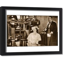 Framed Print. Duchess of York with new X-Ray Machine - Middlesex Hospital