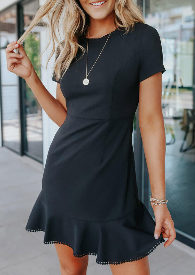 Mini Dresses Lace Ruffled Mini Dress without Necklace in Black. Size: S,M,L,XL