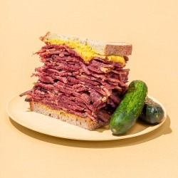 Pastrami Queen - Pastrami Queen Sandwich Kit for 6-8