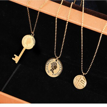 South Korea 2020 New Style Simple French Light Luxury High Grade Sense Titanium Steel Does Not Fade Network Red Tide Coin Queen